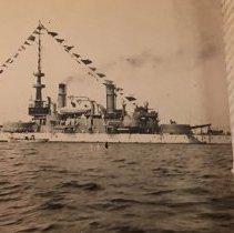 Image of P2017.103.027 - Navy cruiser on Narragansett Bay