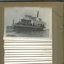 Image of P2017.025.002 - Ferry Beavertail aground during the 1928 Hurricane