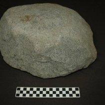 Image of Metate, basin, granitic. Dorsal horizontal view, base.