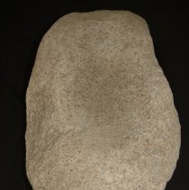 Image of Metate, basin, granitic. Ventral vertical view, end B