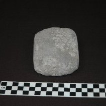 Image of Mano, sandstone: dorsal view, side B; half pecked, half smooth work surface