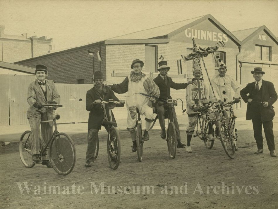 Peace Celebration WWI - fancy dress - Waimate Museum and Archives