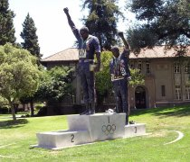 Image of Olympic Athletes Commemorative Statue at SJSU