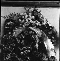 Image of FW_02675 - Funeral Flowers, ca. 1900-1920