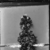 Image of FW_02692 - Funeral Flowers, ca. 1900-1920
