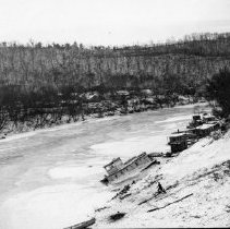 Image of Frozen river - 2003.10.25