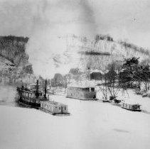 Image of Riverboat - Margaret - 2003.10.26