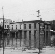 Image of 1937 Flood at Broadway and Ann Streets.  - 2003.48.9