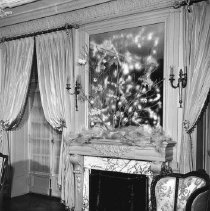 Image of Governor's Mansion Interior - 2005.305.31