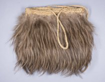 Image of 93.1063 - fiber and feather bag