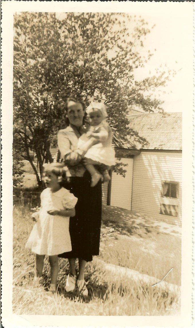 Elizabeth Harkins with Celeste, 1938