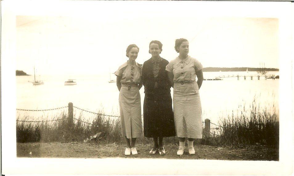 Elizabeth Harkins with Berenice & Beulah