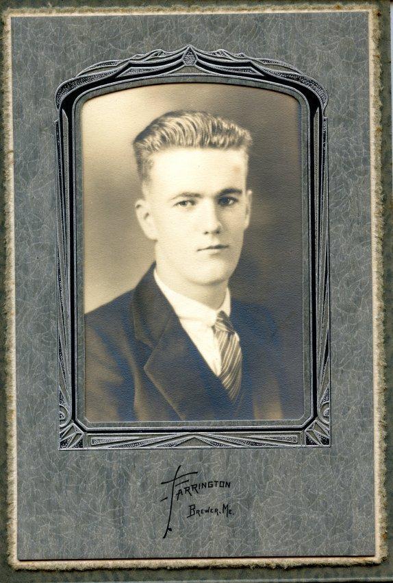 Clark, Lester Martin Pemetic senior photo, 1927