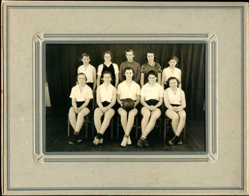 Pemetic girls basketball team, 1935