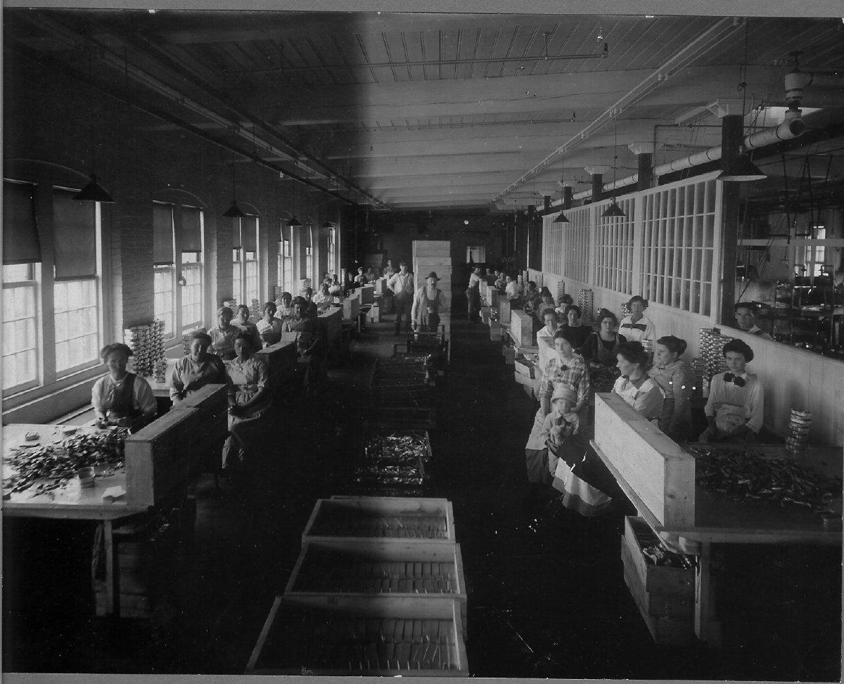 Underwood canning factory 1915