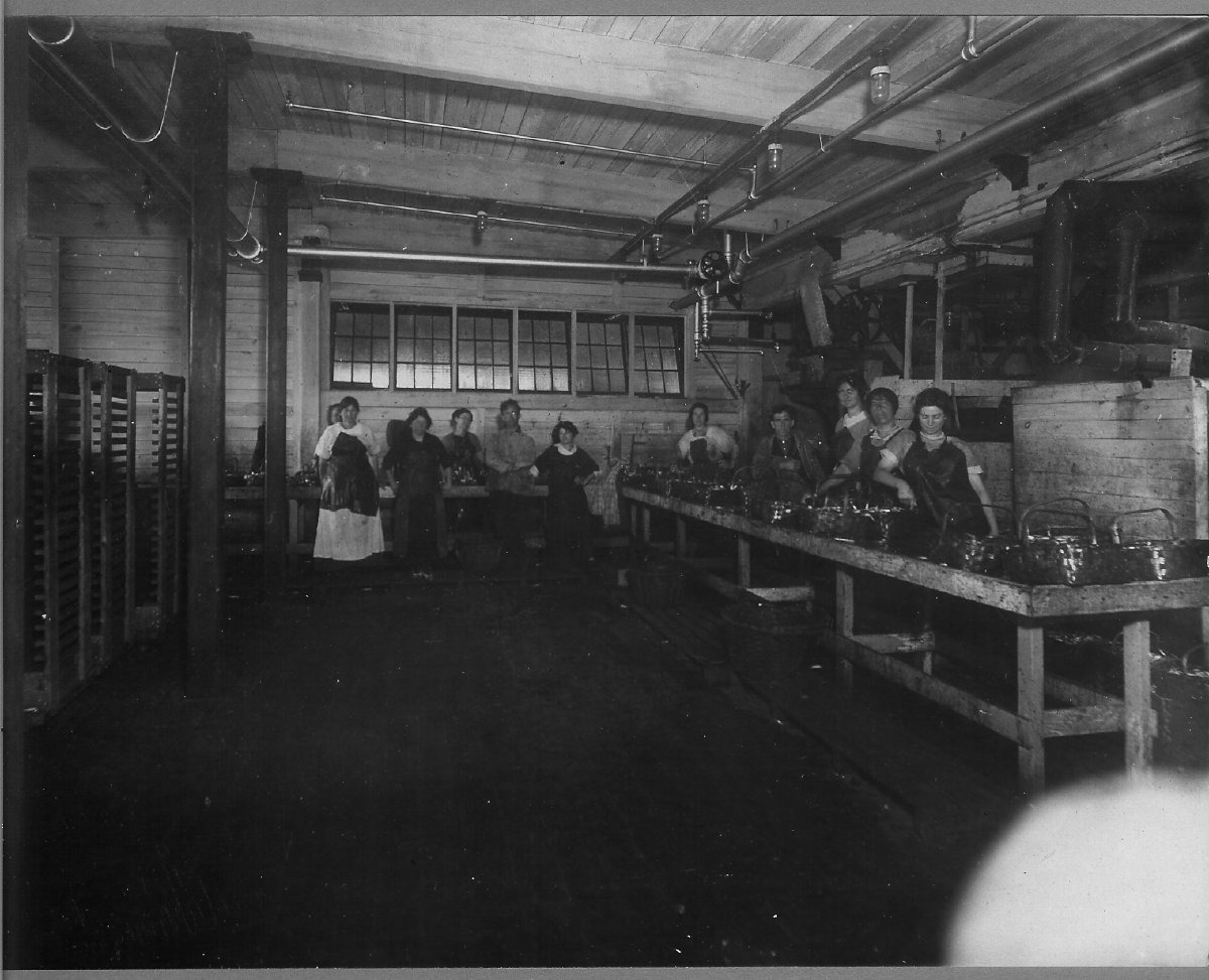 Underwood canning factory interior & workers