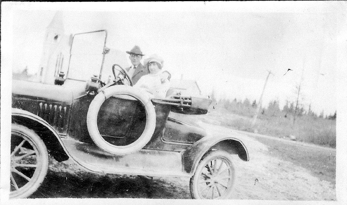 Loren & Myra Rumill in automobile
