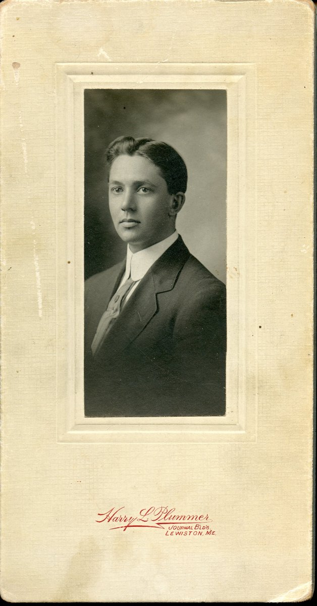 formal photo of Charles? given to Leola
