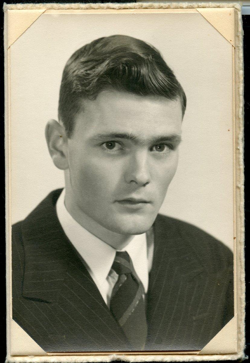 Stanchfield, Richard, Pemetic HS senior photo, 1949