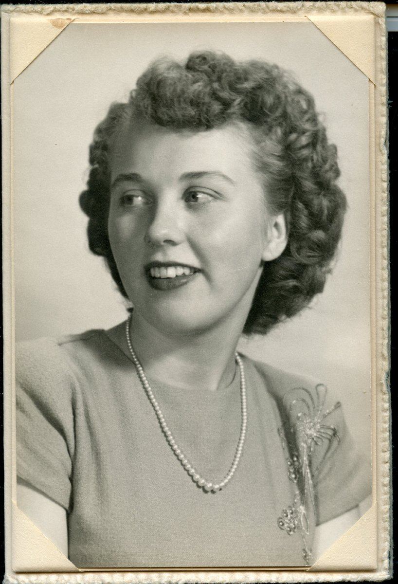 Galley, Arlene Pemetic HS senior photo, 1949