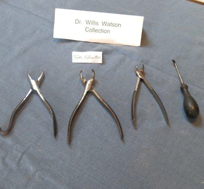 Tooth extractors