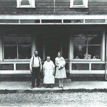 Image of John and Mary Talus with Saima Wright and Baby Bill Wright -