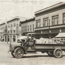 Image of Streetscape, car, Early 1900s