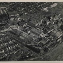 Image of Black and White Aerial Photograph of Wilson Plant c. 1940