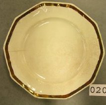Image of 2044 Ironstone plate with bronze rim