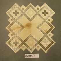 Image of 2047  Hardanger linen table cover