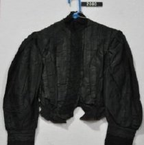 Image of 2080 Blouse, Black, front