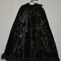 "Image of 1497 Cape, ""burka"" from Caucasus, Black crushed velvet, back"