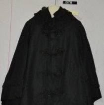 Image of 2078, Shawl, Black taffeta, buttons and lace collar, front