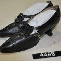 Image of 4488 Shoes, black, wedge-heel, beaded buckle