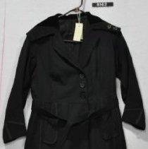 Image of 8962 Coat, Black poplin coat, front