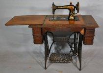 Image of 01390 Sewing Machine