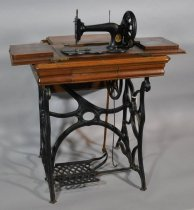 Image of 01572 Sewing Machine