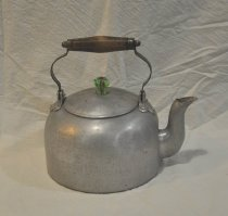Image of 1990.130.881 Kettle