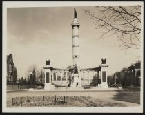 Image of Print, Photographic - Monument to Jefferson Davis, Monument Avenue, Richmond, Virginia
