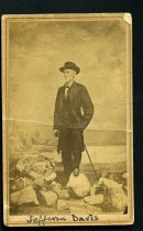 Image of Carte-de-Visite - Jefferson Davis wearing clothes captured in
