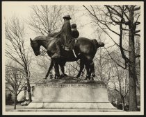 Image of Print, Photographic - Monument to Lee and Jackson, Baltimore, Maryland