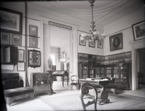 Image of Negative, Glass Plate - Solid South Room West/North Wall, White House of the Confederacy