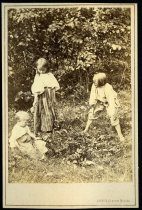 Image of Photograph, Cabinet - Two Unidentified Male Children and One Unidentified Female Child
