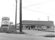 Image of Farm Bureau Co-op/ Auburn Farm and Garden Center - Eckhart Public Library Photo Collection