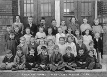 Image of East Richland School - 4th Grade - Willennar Genealogy Center Photo Collection