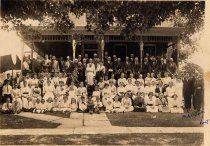 Image of Wolf family reunion - Willennar Genealogy Center Photo Collection
