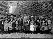 Image of Ruth Freed's school group - Willennar Genealogy Center Photo Collection