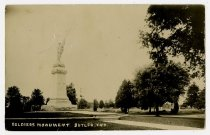 Image of Soldier's Monument - John Martin Smith Postcard Collection