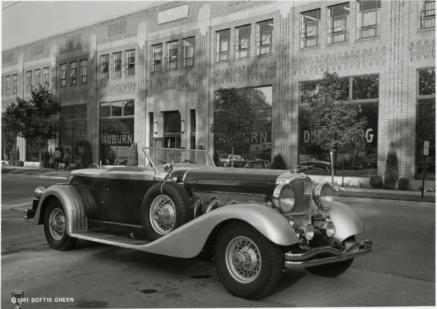 1931 Duesenberg outside of ACD Museum - John Martin Smith ...
