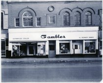 Image of Gambles Storefront - Acquisition Photos